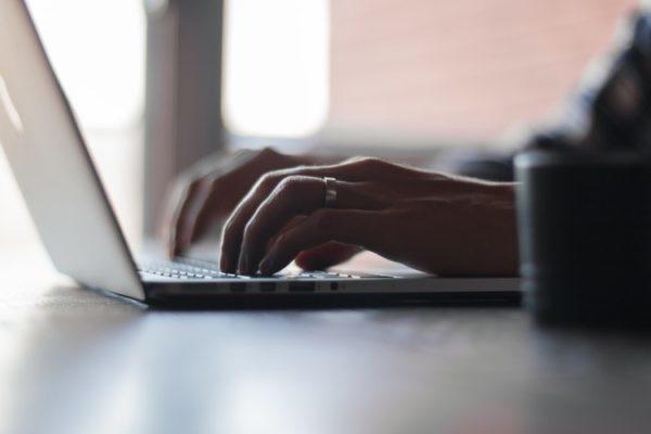 laptop_typing